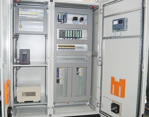 PLC控制柜-智恩太阳能控制柜